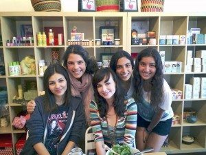 Teen stars Victoria Justice and Ashley Rickards catch up with Brittany Namdar, Chelsea Namdar and Julia Hackman in Muddworks.
