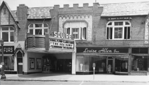 The Squire Theater opened in January 1941. (Photo courtesy of the Great Neck Library)