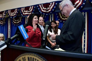 U.S. Congressman Steve Israel administered the oath of office to Council Member Kaplan.