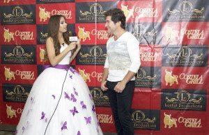 Emilia Pedersen interviewing romantic Brazilian singer Daniel (Photo by Rose Lima)