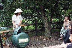 Find out how easy it is to compost at a Clark Botanic Garden class.