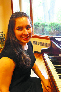 Amy Shteyman, an AFAF winner in piano and North High student, will perform at Carnegie Hall.