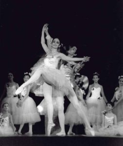 Waltz of the Flowers from Nutcracker featuring Roberta Senn and Osamu Uehara with GNSD students in 1990