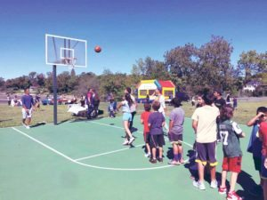 FIDF supporters and  their families played basketball at Saddle  Rock Park on Sunday. (Photos courtesy of FIDF)