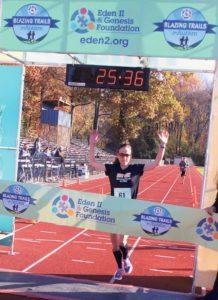 Overall Women's winner Una Broderick crossed the finish line.